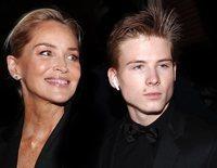 El hijo de Sharon Stone, Roan Joseph Bronstein, el gran protagonista de los premios Harper's Bazaar 2019