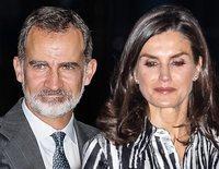 Los Reyes Felipe y Letizia, gesto cansado y mucha ilusión a su llegada a La Habana para su Visita de Estado a Cuba