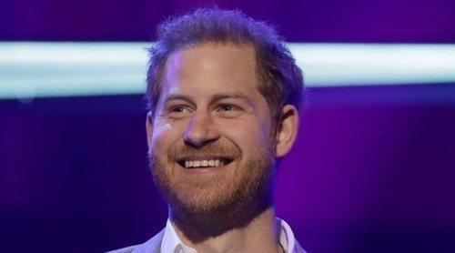 El Príncipe Harry aparece en los Premios OnSide antes de irse de vacaciones a Estados Unidos