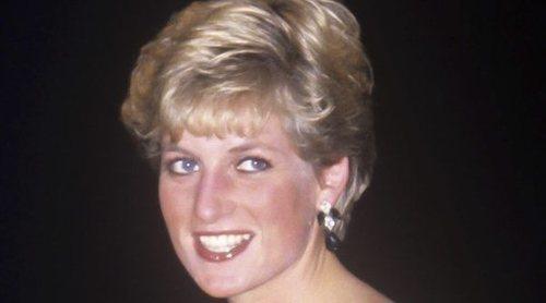 Sale a subasta por tercera vez el vestido que llevó Lady Di cuando bailó con John Travolta