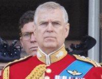 La retirada del Príncipe Andrés hace recordar la peor crisis que sacudió a la Familia Real Británica
