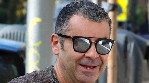 Jorge Javier Vázquez acude tranquilo y relajado a un centro de estética antes de su operación