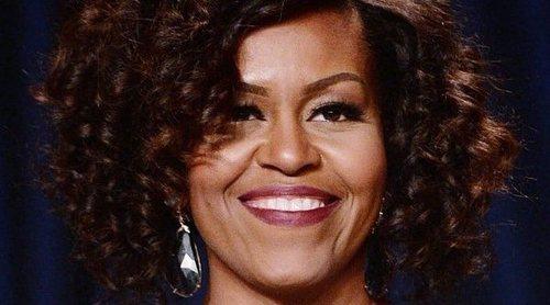 Michelle Obama dona medio millón de dolores de los ingresos de su libro para la educación de las niñas