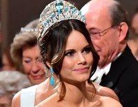 Tiaras y vestidazos: Magdalena de Suecia y Sofia Hellqvist brillan en la entrega de los Nobel 2019