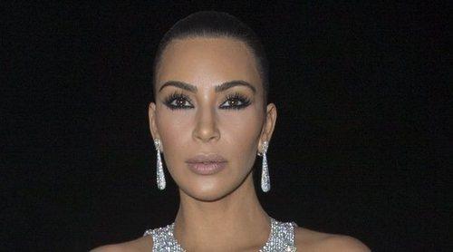 El informal posado navideño de Kim Kardashian y Kanye West con sus cuatro hijos