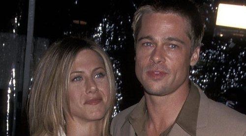 Brad Pitt acude a la fiesta de Navidad de Jennifer Aniston quince años después de su ruptura
