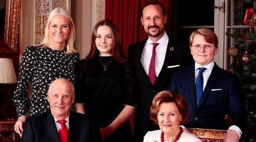 La original y familiar felicitación navideña de la Familia Real Noruega