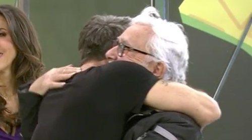 El emocionante reencuentro de Alonso Caparrós con su padre Andrés Caparrós en 'Sálvame'