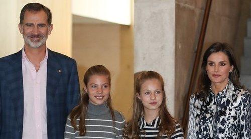 Los Reyes Felipe y Letizia, la Princesa Leonor y la Infanta Sofía, al cine para ver 'Star Wars: El ascenso de Skywalker'