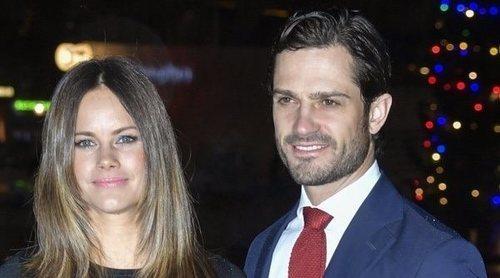La tierna felicitación navideña de los Príncipes Carlos Felipe y Sofia de Suecia con sus hijos
