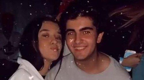 Victoria Federica y Jorge Bárcenas, besos y abrazos durante su escapada juntos a la nieve