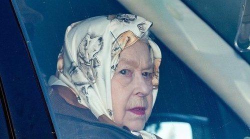 La seriedad de la Reina Isabel en su primera aparición tras la renuncia del Príncipe Harry y Meghan Markle