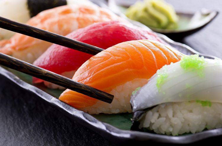 Para poder preparar un sushi de primera calidad tienes que hacerte con una serie de ingredientes imprescindibles