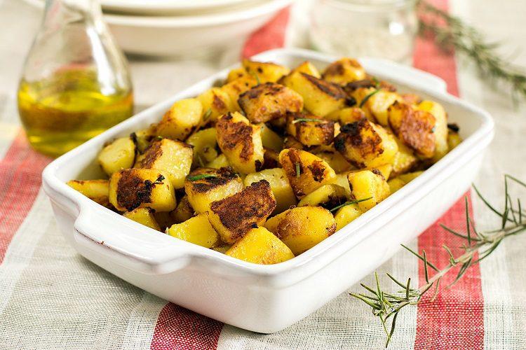 En 15 minutos podremos tener listas nuestras patatas al horno hechas en microondas