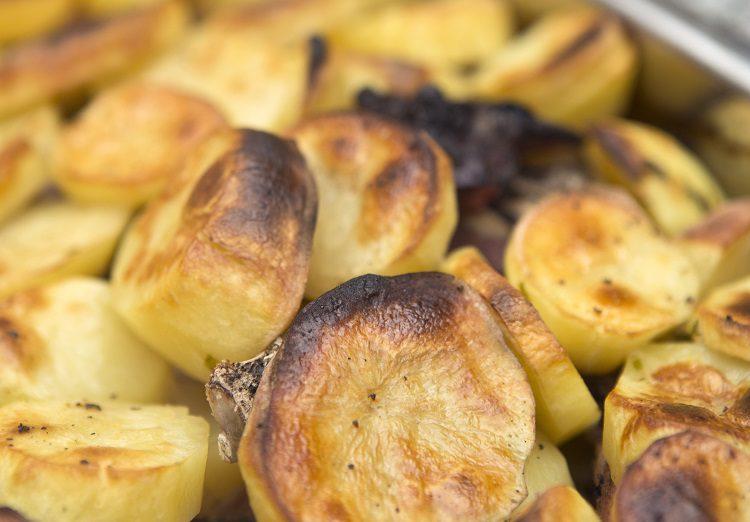 Esta receta es perfecta para preparar unas deliciosas patatas calentadas en horno