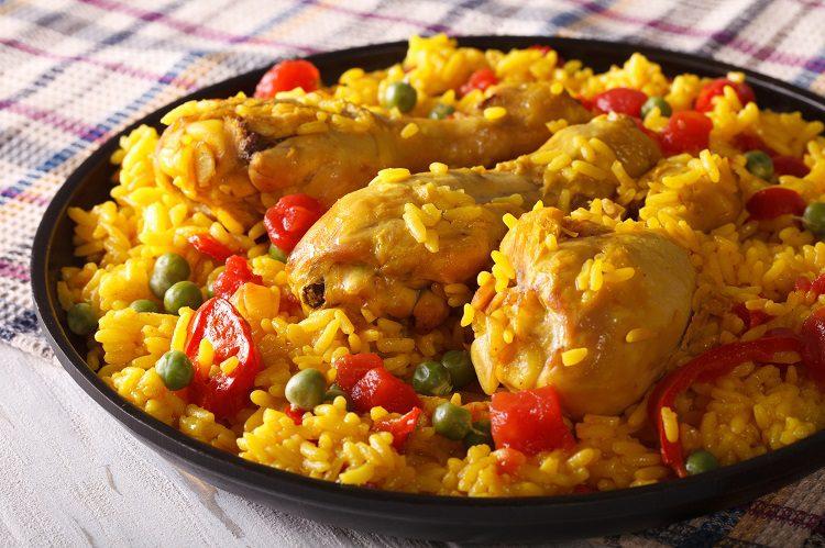 Se trata de un plato bastante contundente que puedes hacer para una comida entre amigos