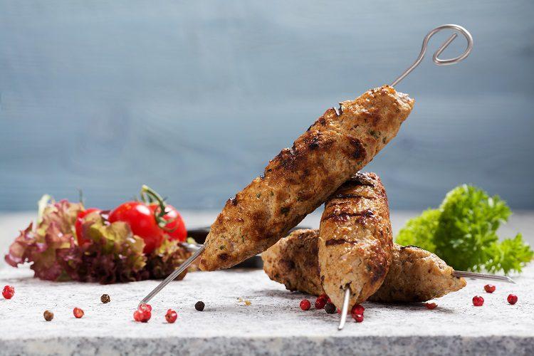 El kafta o kofta es uno de los platos libaneses más populares y tradicionales de la gastronomía árabe