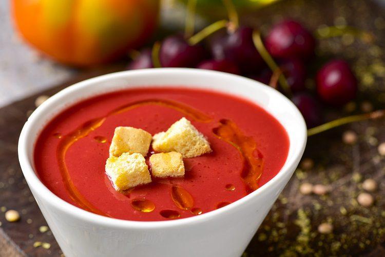 El gazpacho es uno de los platos estrella de la dieta mediterránea
