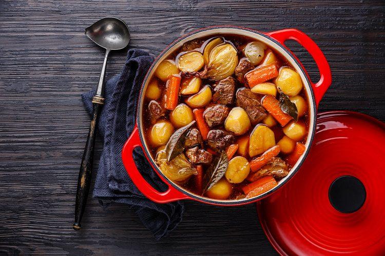 El estofado de ternera con patatas es una receta realmente sencilla