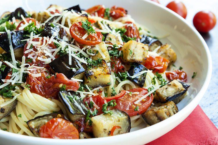 Es un plato muy fácil de cocinar, ideal para dietas vegetarianas y veganas