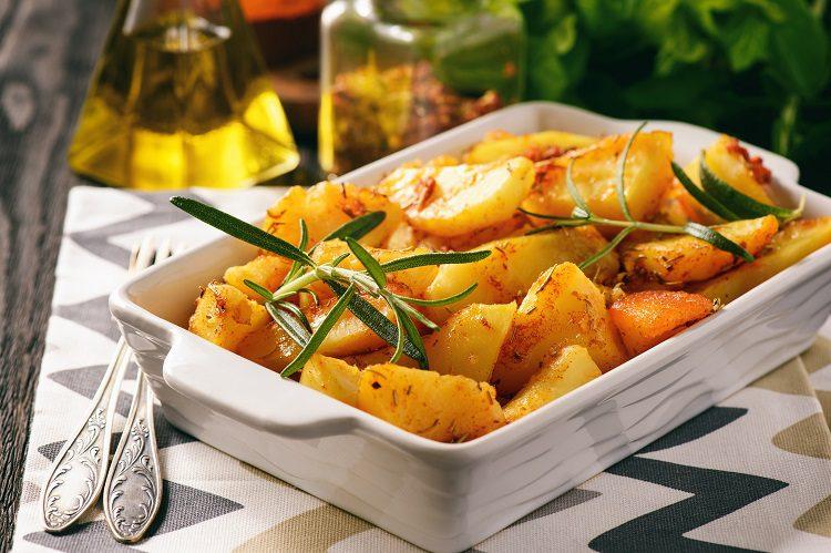 Las patatas panadera se elaboran en el horno