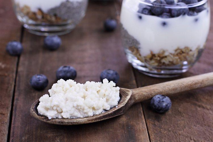 Puedes comerlo con frutos rojso, del bosque o alguna fruta de temporada