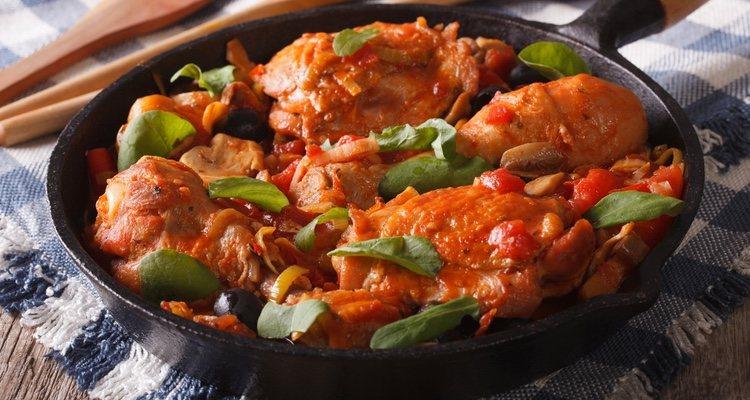 El sofrito de cebolla, las almendras y el azafrán le darán a este plato el toque perfecto