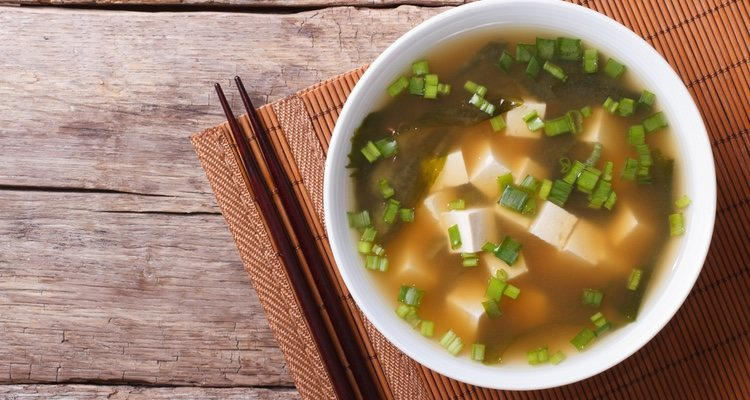 Así quedaría nuestra deliciosa sopa de miso con tofu, ¡atrévete a probarla!