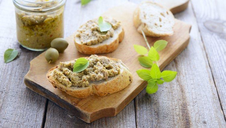 Puedes servir el paté en panecillos tostados o como acompañante de carnes