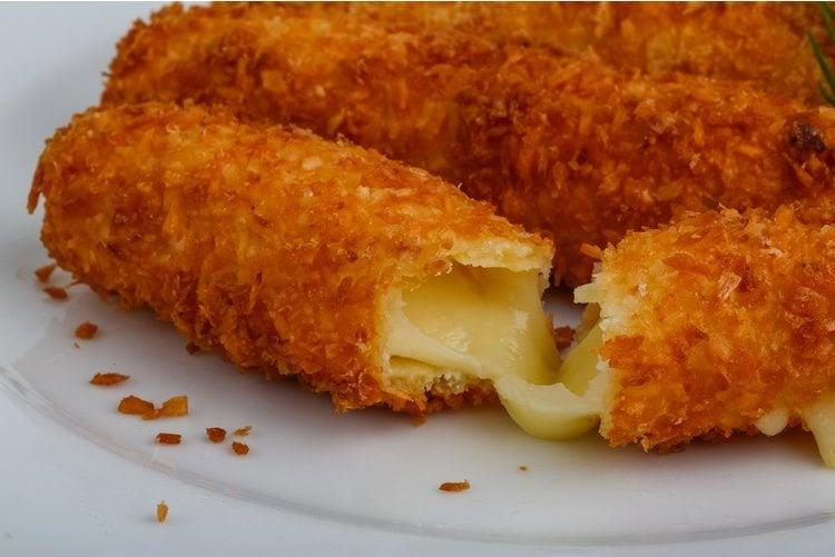 Este debería ser el aspecto final de tus frituras de queso