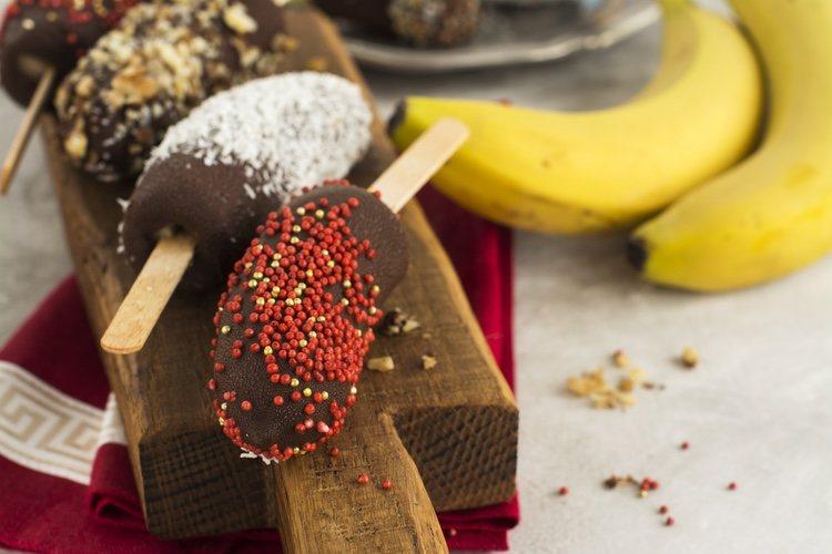 Puedes emplear como decoración para el helado cualquier tipo de topping que sea de tu gusto