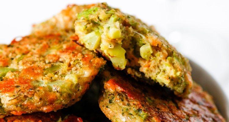 Si la mezcla de verduras con el queso queda demasiado pastosa, es recomendable añadir pan molido