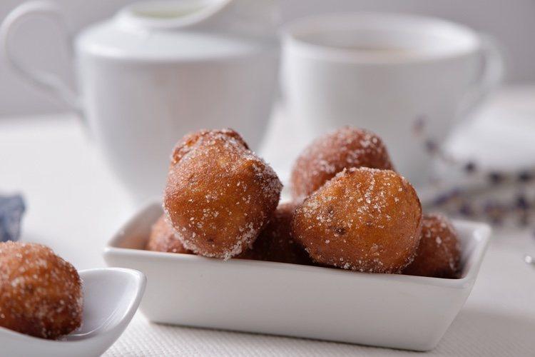 Los buñuelos son un dulce típico de la Semana Santa española