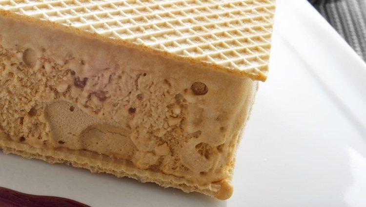 Puedes acompañar este helado con barquillo