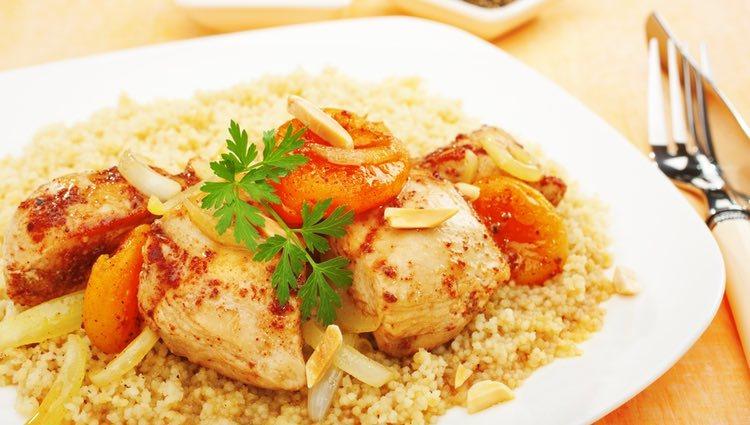 El tajín de pollo puede acompañarse de cuscús o un poco de arroz