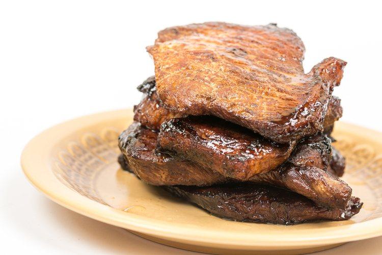 La salsa inglesa también es un buen aliño para la carne