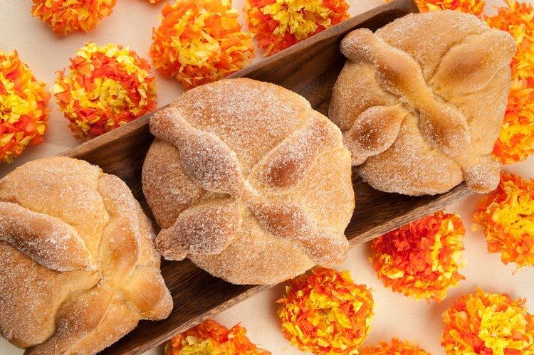 Es un pan dulce especial de la gastronomía Mexicana y que suele prepararse para celebrar Halloween