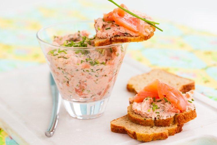 El paté de salmón es el ingrediente perfecto para los aperitivos