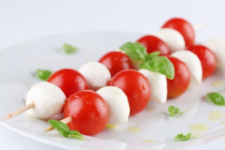 Las brochetas son un plato rápido de hacer para comidas y cenas