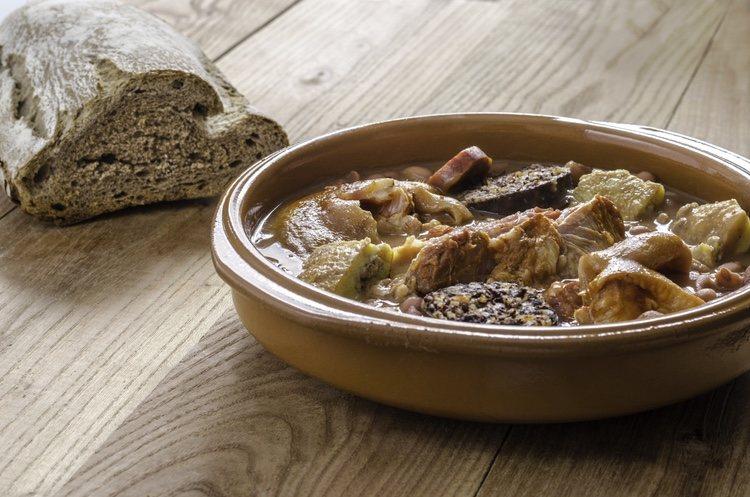 Acompaña este plato con pan rústico