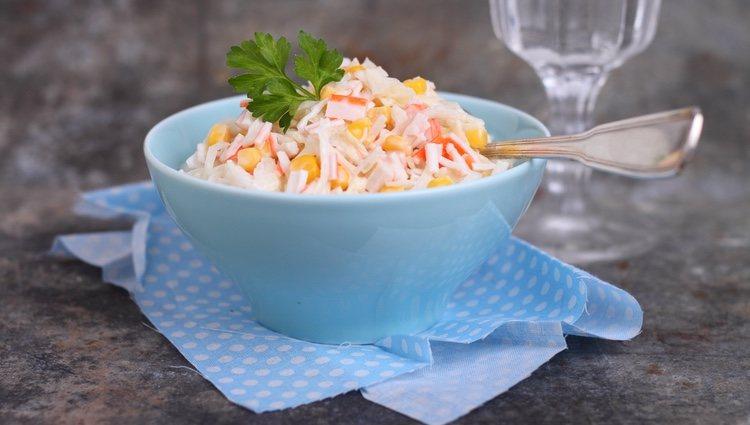 La ensalada de cangrejo aporta proteinas y vitaminas B3 yB6