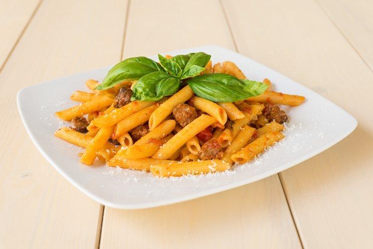 Los macarrones con chorizo es un plato muy asentado en nuestra gastronomía