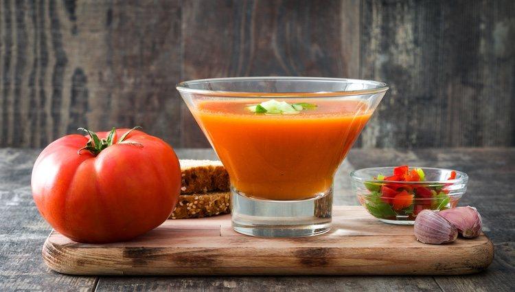 Existen múltiples variedades de gazpacho: andaluz, extremeño, de lechuga, de cereza...