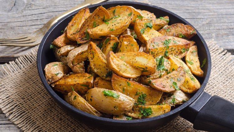 Las patatas en gajos se pueden tomar solas, a la griega o con salsa ranchera