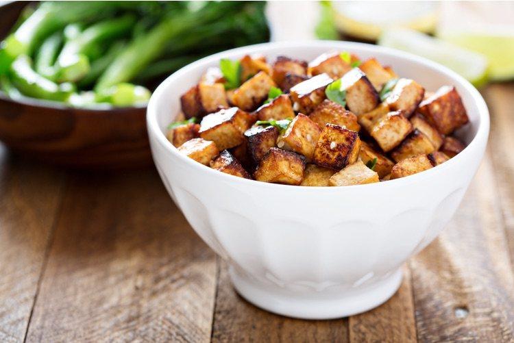 El tofu está listo cuando adquiere un color dorado