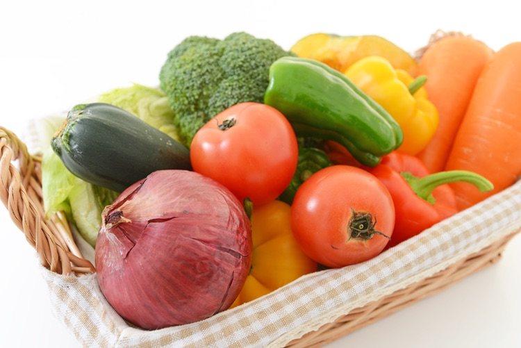 Los ingredientes de la pipirrana son todos frescos e ideales para el verano