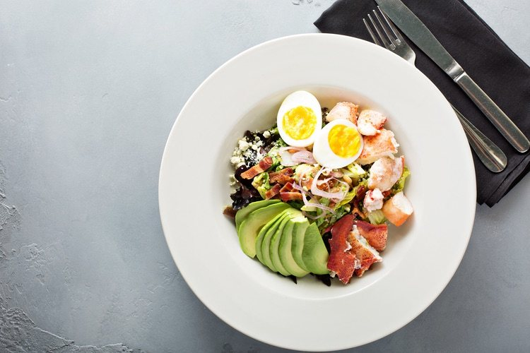 Desde el momento en el que la hagas, la ensalada de bogavante será tu plato estrella
