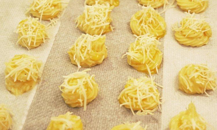 Puedes usar otro tipo de queso u otra variedad