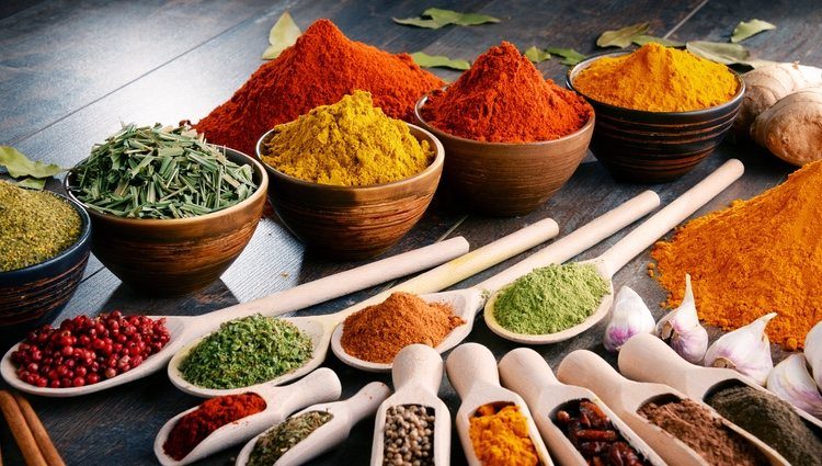 Las especias añadirán un toque de sabor y color al plato