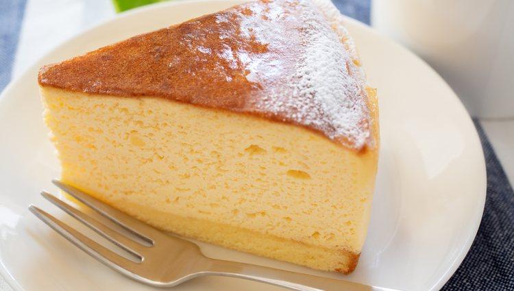 Cuando esté cortado el pastel habrá que dejarlo reposar para que se enfríe
